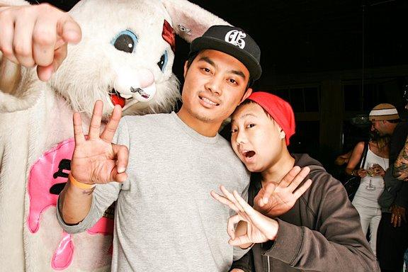 090524_bunnyball2_bth_317